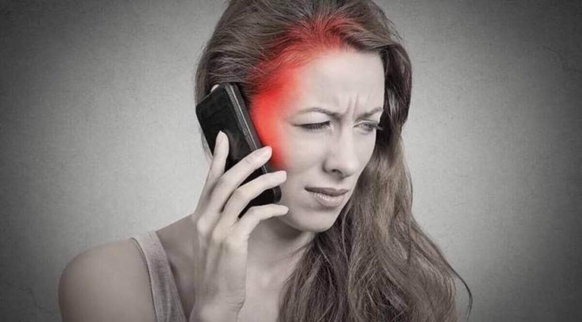 kvinna som är allergisk mot elektricitet