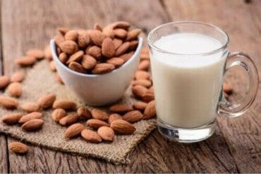 Mandelmjölk för barn: För- och nackdelar