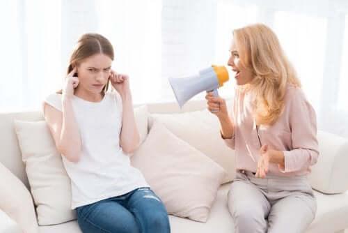 5 långsiktiga konsekvenser av att skrika åt barnen