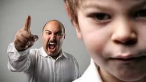 Att skrika åt barnen får konsekvenser.