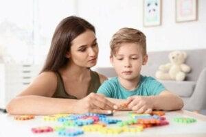 Barn med autism: 4 viktiga övningar