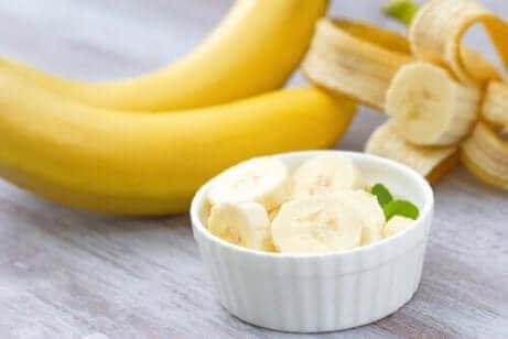 Mjölkfri glass med kokos och banan.