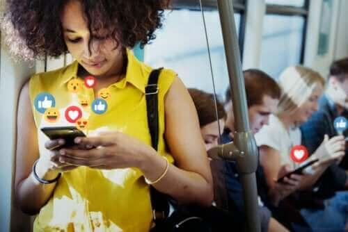 Sociala medier: För- och nackdelar