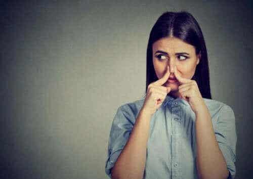Orsaker till fantosmi: hur kan man känna lukter som inte finns?