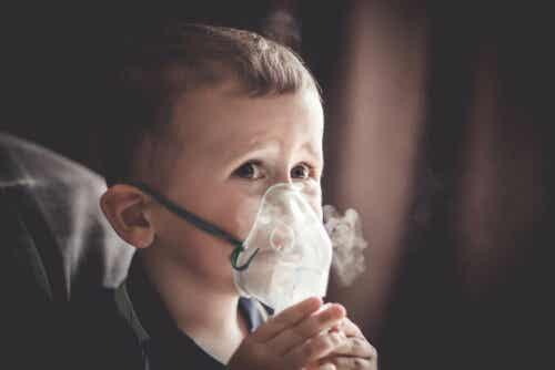 En pojke med cor pulmonale