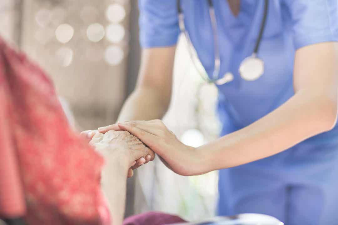 Många väljer att tillbringa sin ålderdom med vård i det egna hemmet