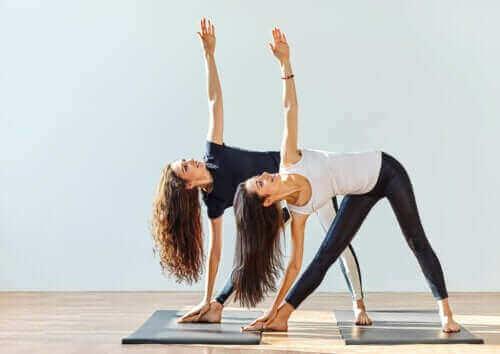 Kan yoga hjälpa till att lindra artros?