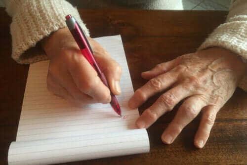 Hur får man bort hudvalkar på händerna?