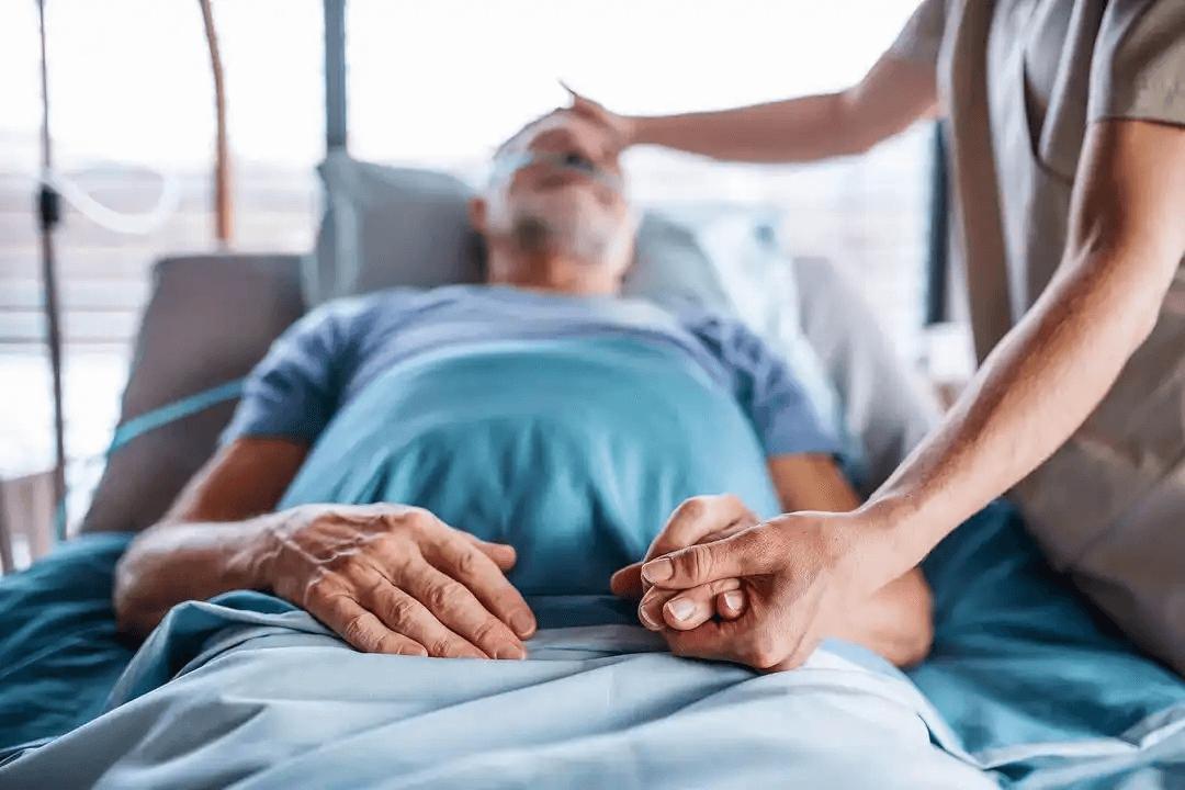 Stadierna av trycksår: patient i säng