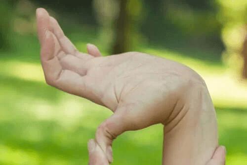Hypermobilitet under barndomen: Fördelar och nackdelar