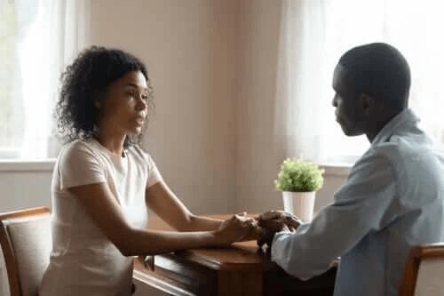 4 tips för att tala med både ärlighet och empati