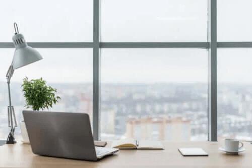 Hur du förbättrar belysningen på din arbetsplats