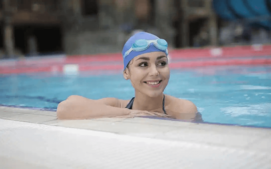 Simning är ett exempel på Low impact kardiovaskulär träning