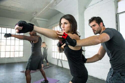 Vad är fördelarna med att träna fitboxning?